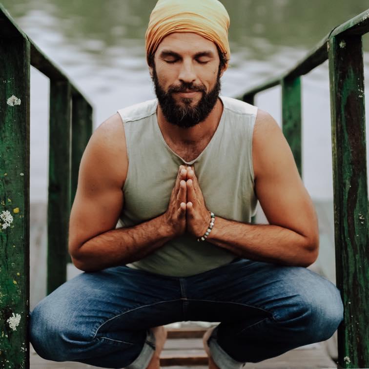 Guillaume Calabretto massages ayurvédiques yoga Latresne Bordeaux praticien diplômé